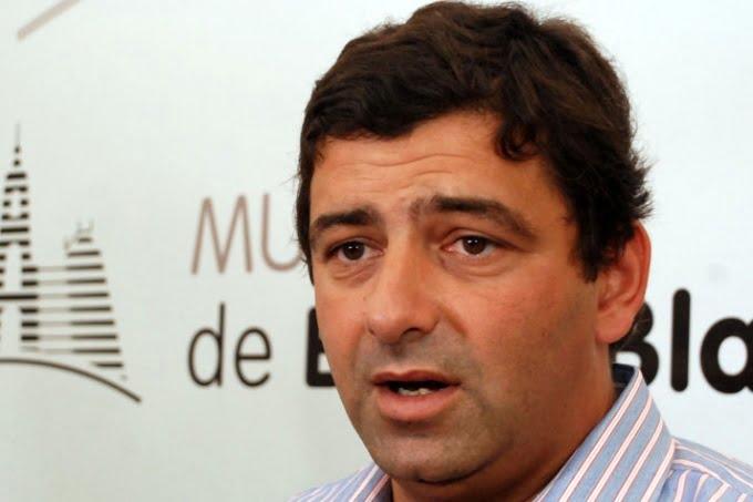 Álvarez Porte irrumpió en una fiesta clandestina y la clausuró