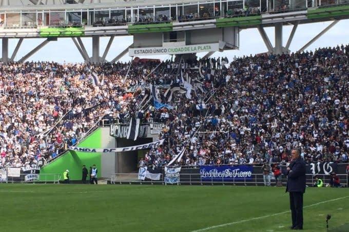 Gimnasia vs Boca podría jugarse en el Estadio Único y con público visitante