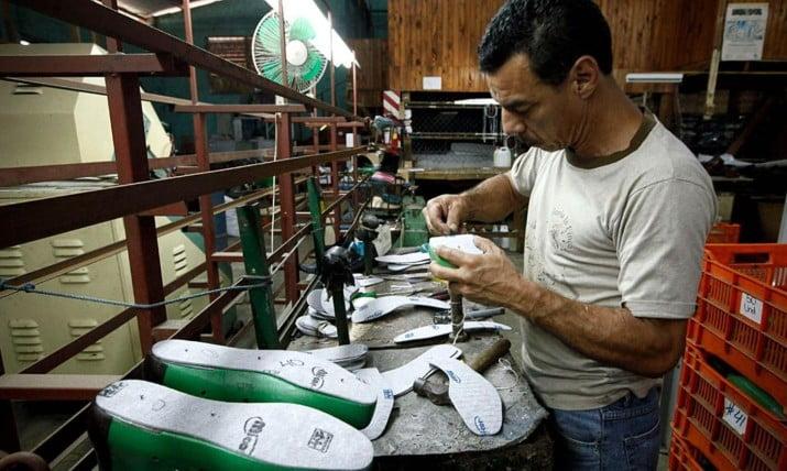 Trabajadores del calzado decretan estado de alerta por la ola de despidos