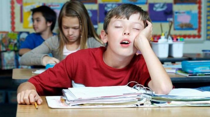 Seis de cada diez alumnos necesitaría despertarse más tarde para rendir mejor
