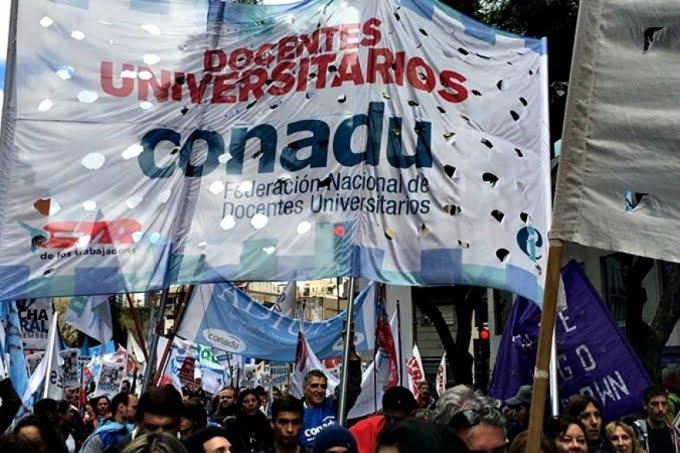 Sigue el conflicto universitario: docentes anuncian paros y movilizaciones