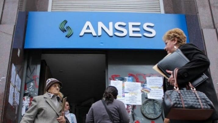 Reclamos judiciales de los jubilados amenaza a la ANSES