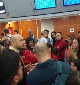 FlyBondi dejó varados a 180 pasajeros y les ofreció viajar en micro