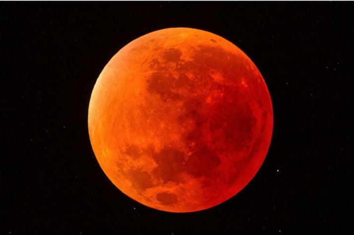 Este viernes podrá verse el eclipse lunar más largo del siglo