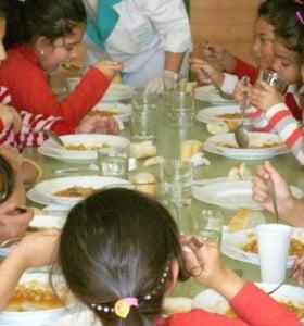 """Comedores escolares, """"Vienen a pesar la miseria"""""""