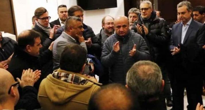 """""""Si Sampaoli no se quiere ir, hay que respetarle el contrato"""""""