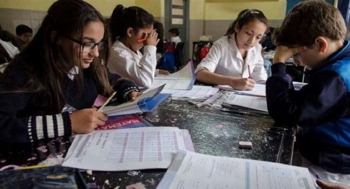 Los estudiantes argentinos, entre los peores en matemática y ciencias naturales