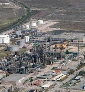 Vuelve a trabajar la Refinería Ricardo Elicabe