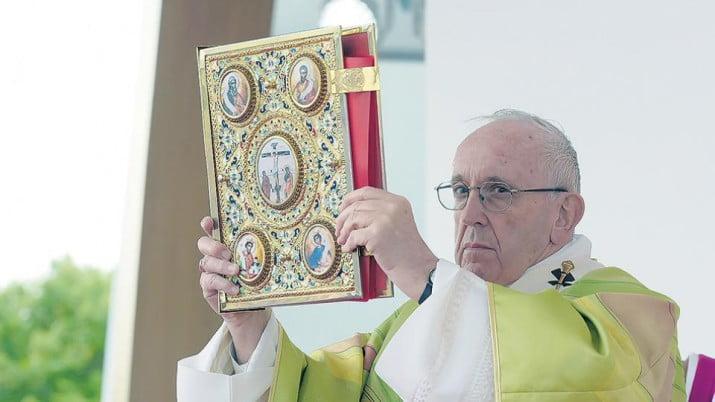 Hablan de golpe contra el Papa