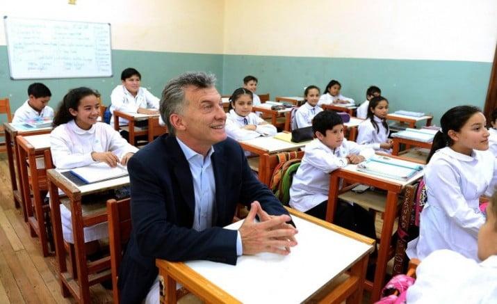Treinta y tres meses de desprecio hacia la educación pública
