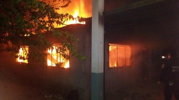 Confirman que fue intencional el incendio en la escuela de Moreno