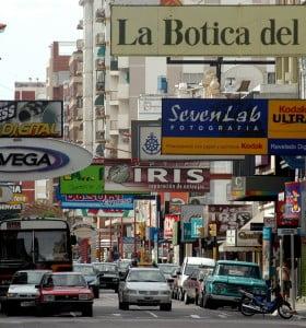 Por temor a saqueos, en Bahía Blanca refuerzan la seguridad
