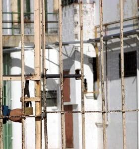 Plan de Vidal y Ferrari para liberar a 1.400 presos de las cárceles bonaerenses