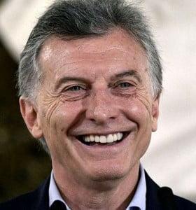 Macri anunció que la superfinal se jugará con visitantes