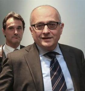 """Gobierno se asegura el colchón fiscal para aplicar plan """"Felices Fiestas"""""""