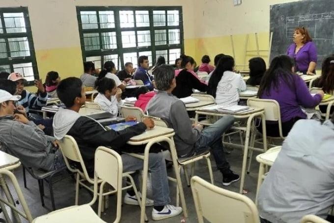 4 de cada 10 jóvenes argentinos no termina la escuela secundaria