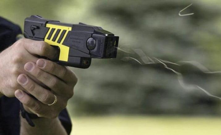 CABA quiere que la Policía use pistolas Taser
