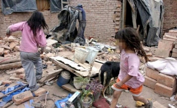 ¿Cuántas canchas de River llenas de niños pobres hay en el país?