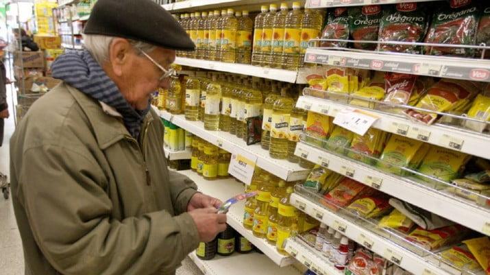 Jubilados: más del 70% apenas cubre con sus haberes la tercera parte de la canasta básica