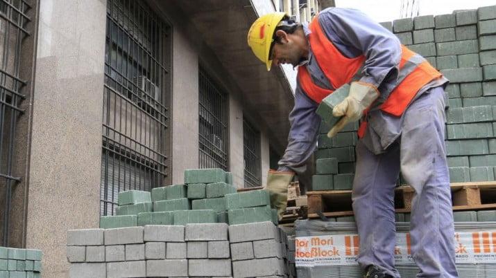 La construcción sigue en caída