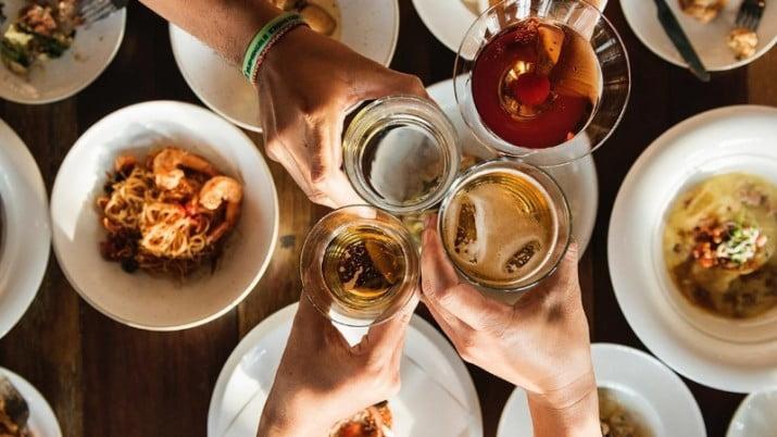 Los 10 mitos sobre las comidas durante las fiestas y el aumento de peso