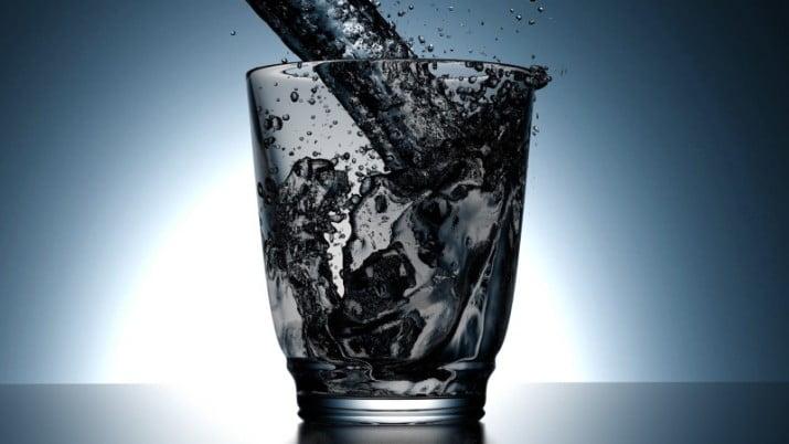 Cambió la pirámide nutricional y la ingesta de agua recomendada por día