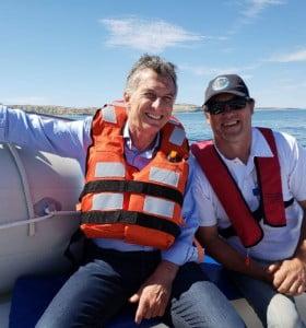 Macri demoró su agenda en Madryn para ir a ver a los delfines