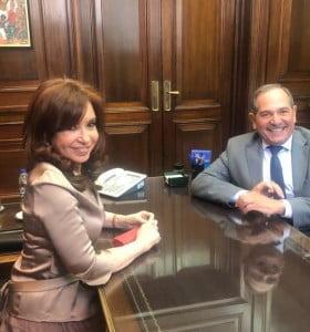 Alperovich dijo que mucha gente de clase media votará a Cristina