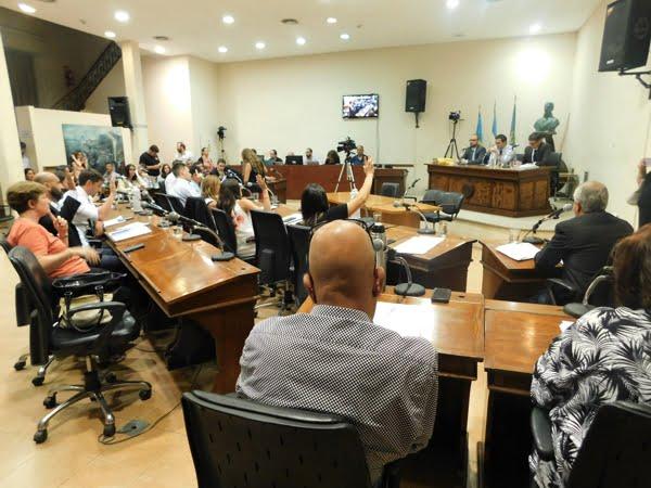 Con el doble voto de Vitalini se aprobó el Presupuesto 2019