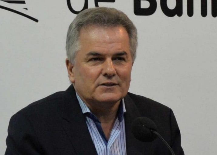 Municipales paralizan Bahía Blanca por tiempo indeterminado