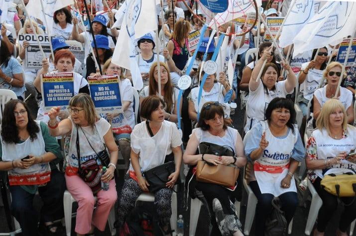 Salarios de docentes argentinos entre los más bajos del mundo