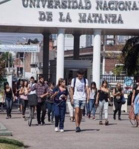 Avanza la idea de cobrar en las universidades a los extranjeros