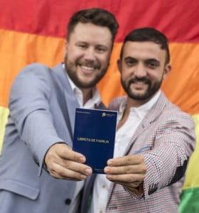 """""""Si, quiero"""": diputado nacional se casó con su novio"""