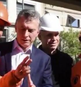 Otro obrero le hizo pasar un incómodo momento a Macri