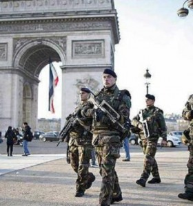 Los militares franceses contra los chalecos amarillos