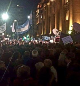 Miles de personas marcharon en apoyo a Ramos Padilla