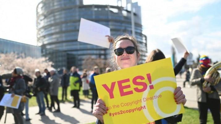 Jaque a Google, Facebook y YouTube: Europa reforma los derechos de autor