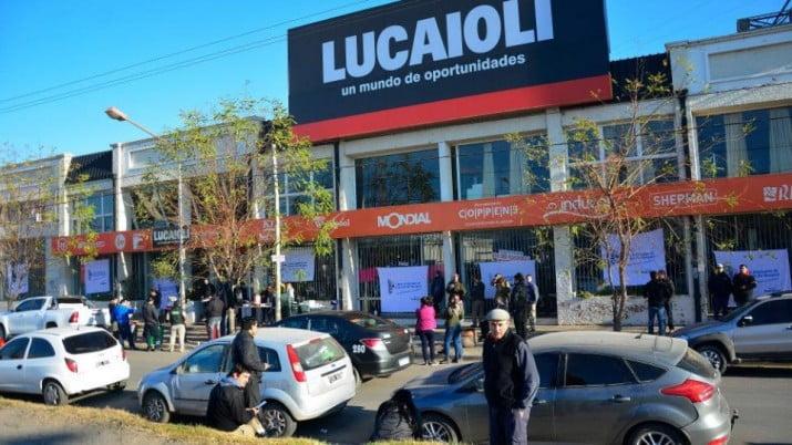 Cierra la cadena de electrodomésticos Lucaioli y Saturno Hogar