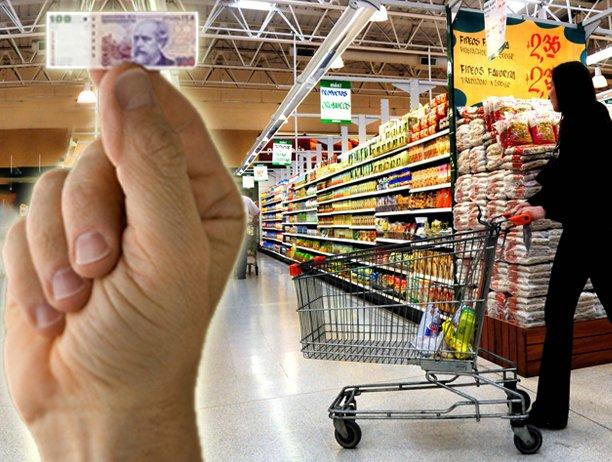 Por qué Macri no sólo no bajó la inflación sino que la subió