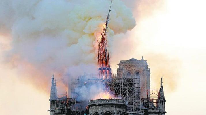 El fuego que arrasó 800 años de historia
