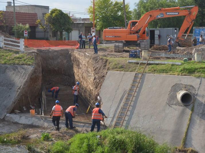 Millonaria obra de desagües pluviales en el barrio Kilómetro 5
