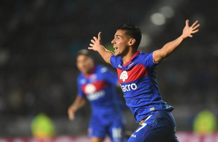 Tigre descontó sobre la hora y eliminó a Racing de la Copa de la Superliga