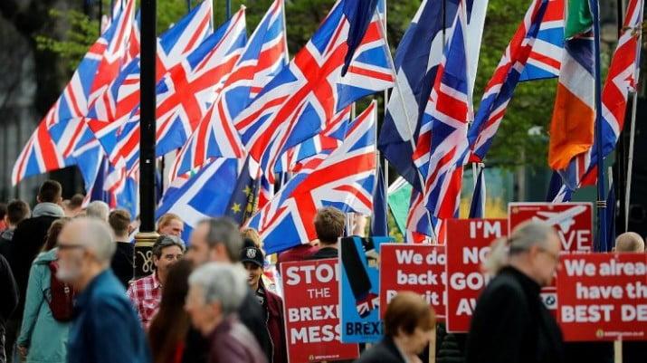 Incógnitas tras la renuncia de May: su sucesor y el futuro del Brexit
