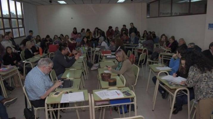 Una universidad aprobó el uso del lenguaje inclusivo