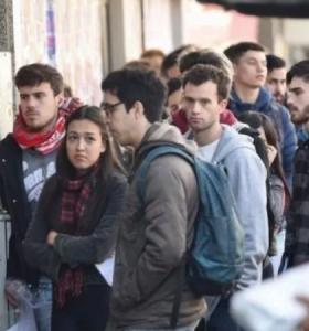 6 de cada 10 argentinos resignan salario con tal de mantener el empleo
