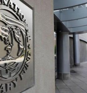 """Combo antidevaluación: FMI autoriza más dólar futuro y bancos podrán """"comprarle"""" al Gobierno más bonos en dólares"""