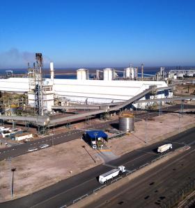 Profertil anuncio la parada de sus plantas de producción por 36 horas