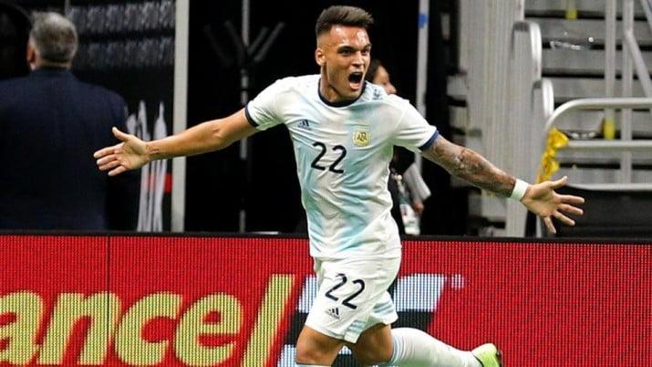 Argentina vapuleó a México con tres goles de Lautaro Martínez