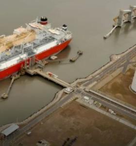Aceleran un proyecto millonario para una planta de GNL en Bahía Blanca