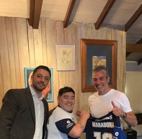 Revolución en la Superliga: Maradona es el nuevo técnico de Gimnasia